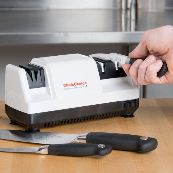 110 1 1 600x600 - Электрическая точилка для ножей Chef'sChoice 110