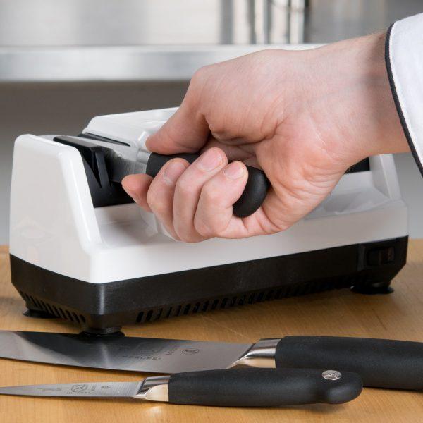 110 2 1 600x600 - Электрическая точилка для ножей Chef'sChoice 110