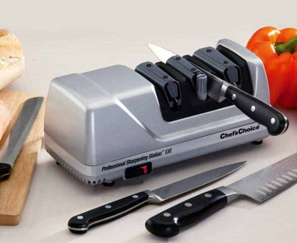 130 lifestyle2 600x491 - Электрическая точилка для ножей Chef'sChoice 130