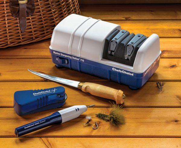 710 lifestyle2 800x655 600x491 - Электрическая точилка для рыбаков Chef'sChoice 710